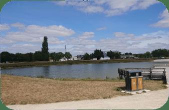 Plan d'eau, Mairie de Mésanger